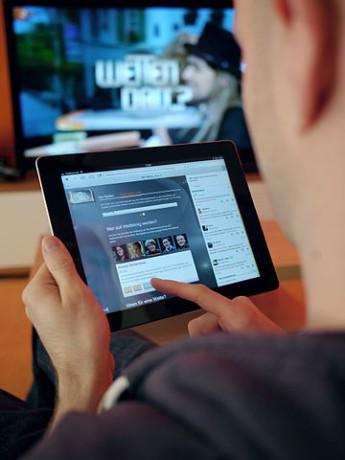 """""""Wetten, dass…?"""" hat zum Beispiel eine Web-Anwendung, mit der man Hintergrundinfos abrufen kann und an Abstimmungen teilnehmen. (Bild von pr_ip Primus Inter Pares)"""