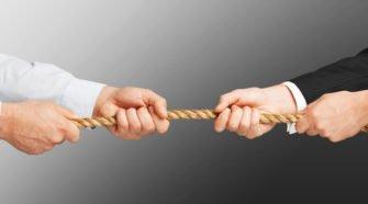 Synergien entstehen, wenn E-Mail-Marketing und Social Media keine Konkurrenten sind, sondern an einem Strang ziehen.