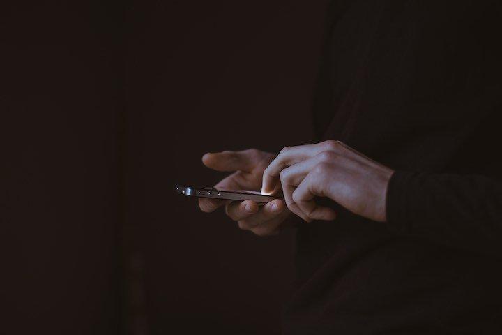 Wenngleich die SMS in der privaten Nutzung immer mehr durch Messengerdienste ersetzt wird, bleibt sie doch ein wichtiger Baustein im Omnichannel-Marketing.