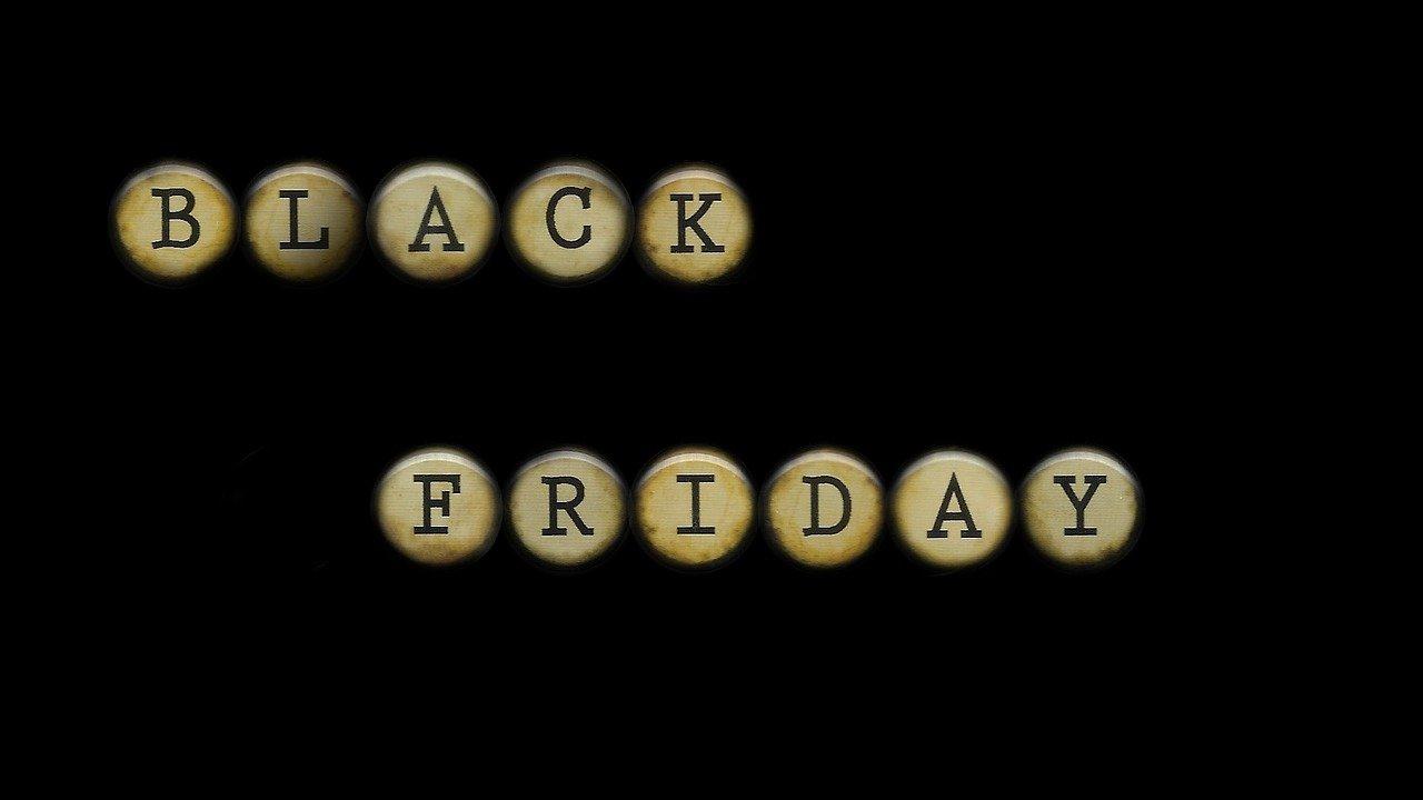 Illustration zum Black Friday in Schreibmaschinen-Optik